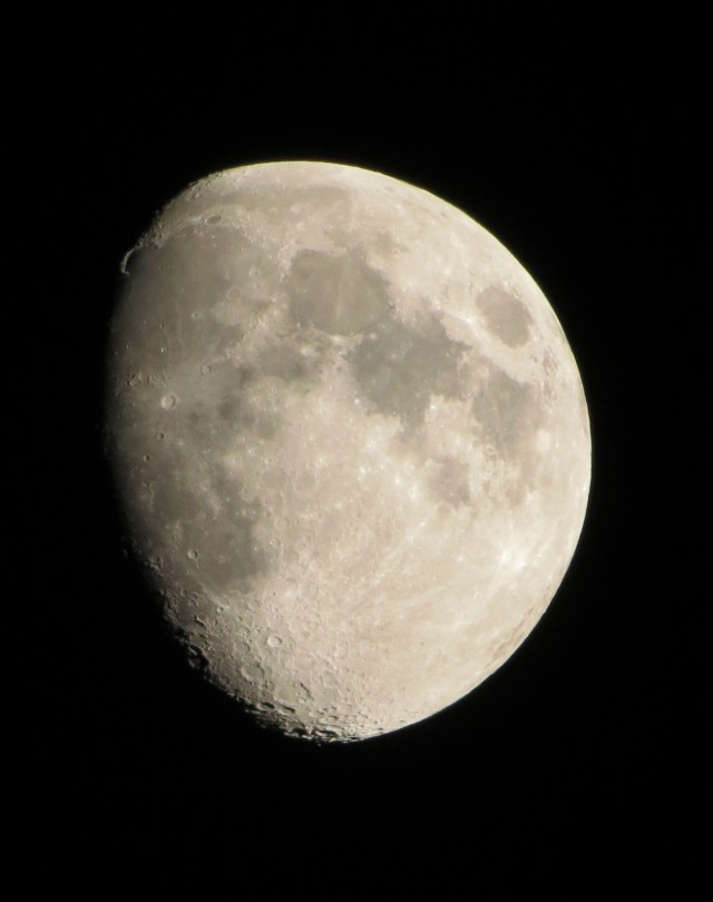 moon2a-adj