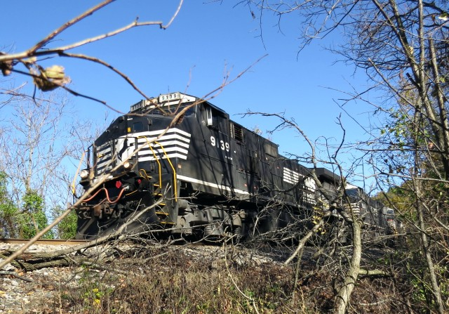 Norfolk Southern locomotive #9139, a GE C44-9W