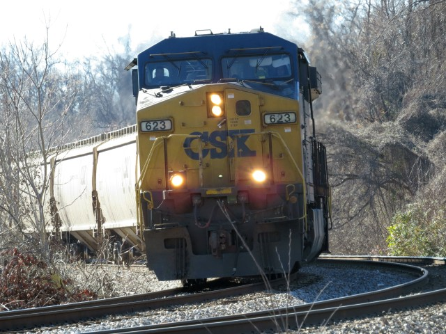 AC6000CW pulling LOTS of grain into Richmond