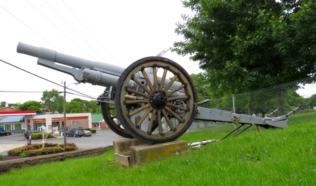 WWI cannon at Shenandoah Elementary School
